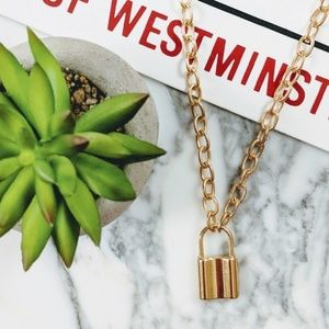 2/$24 NEW Chain Lock Pendant Necklace Gold